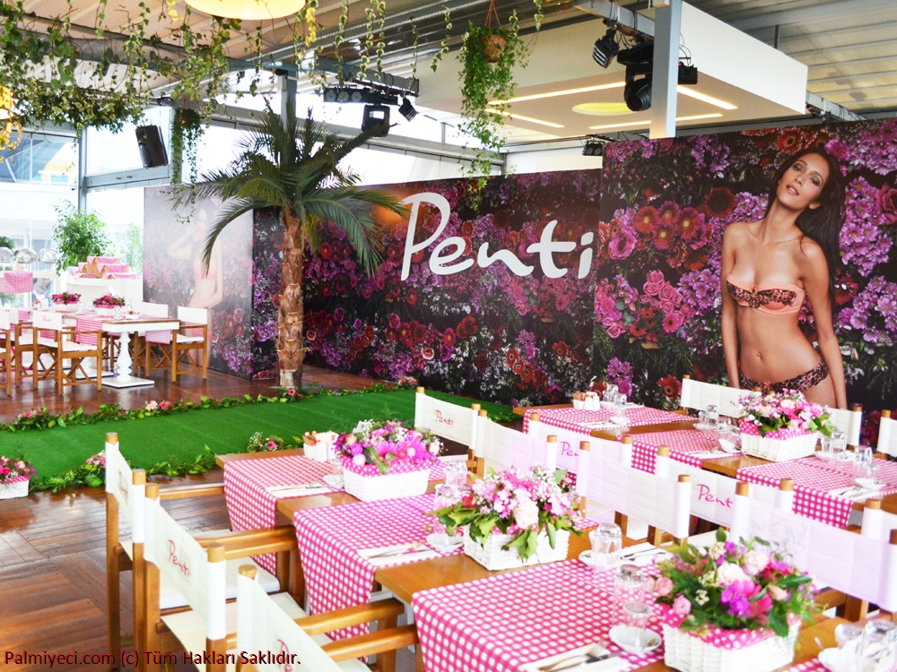 Penti - Spring Summer - Underwear Launch - Palm and Flower Decor